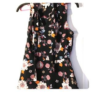 Size large black flowered Monteau slimming shirt